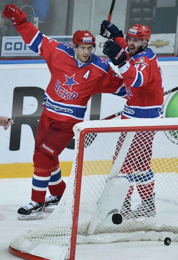Павел Дацюк и Александр Радулов (слева направо)