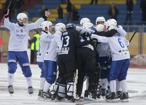 Хоккеисты Динамо-Москва