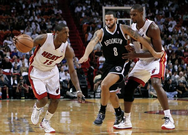 Игровой момент матча Майами - Бруклин Нетс