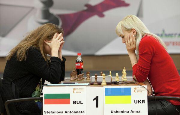 Антуанета Стефанова (слева) и Анна Ушенина