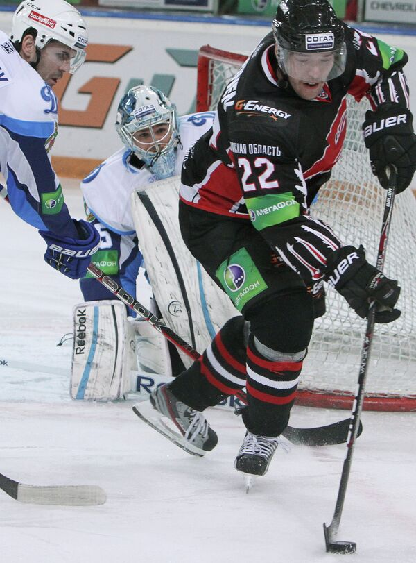 Матти Купаринен (справа)