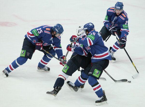 Игровой момент матча СКА - Торпедо