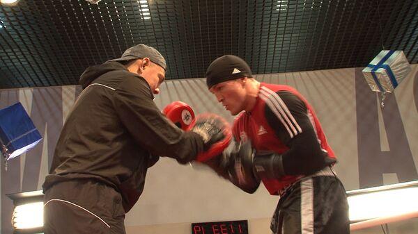 Боксер Лебедев объяснил противнику, как ему следует вести себя на ринге