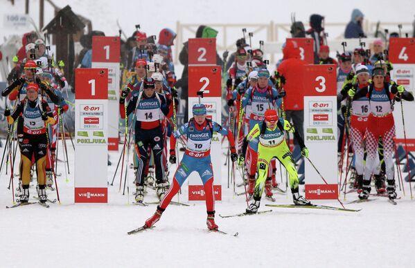 Россиянка Екатерина Глазырина (на первом плане)