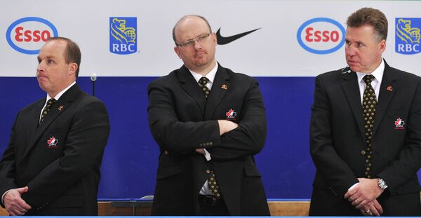 Главный тренер сборной Канады Стив Спотт (слева)