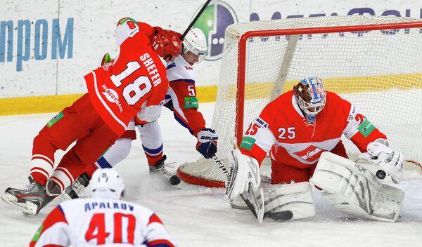 Игровой момент матча Спартак - Локомотив