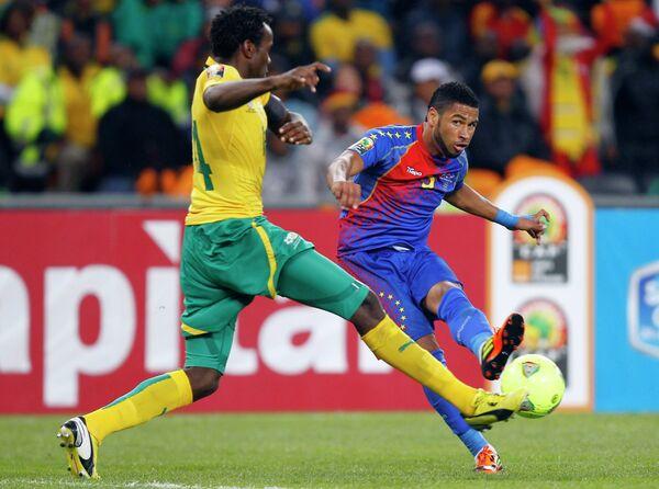 Игровой момент матча ЮАР - Кабо-Верде