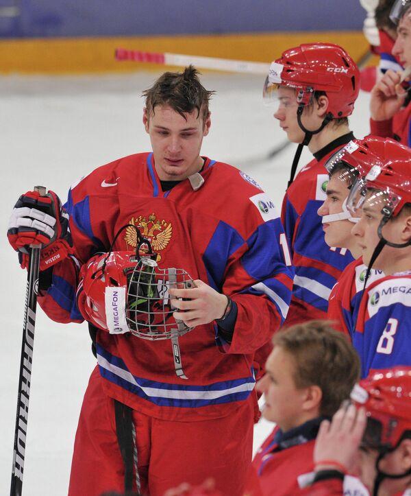 Валерий Ничушкин (в центре)