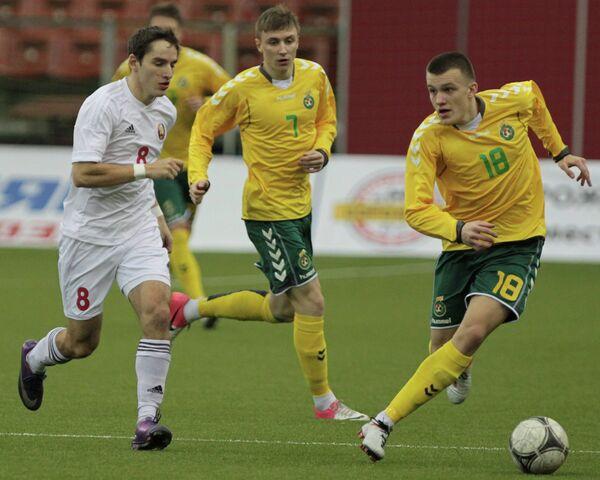 Игровой момент матча между сборными командами Белоруссии и Литвы