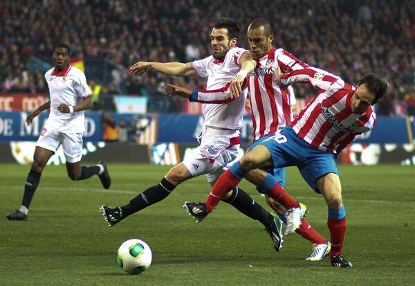 Игровой момент матча Атлетико (Мадрид) - Севилья
