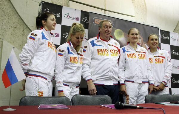 Теннис. П/к, посвященная четвертьфиналу Кубка Федерации 2013