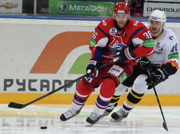 Игровой момент матча Локомотив - Северсталь