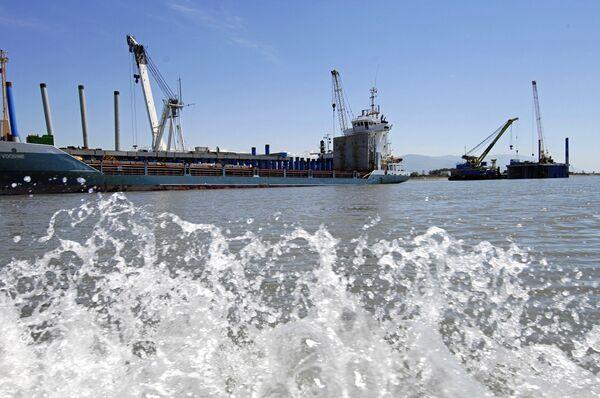 Судно из Антверпена прибыло в гавань нового грузового порта Сочи