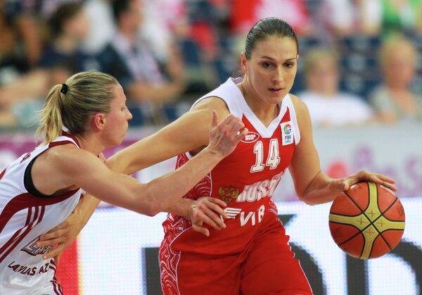 Кристине Карклина и Светлана Абросимова (слева направо)