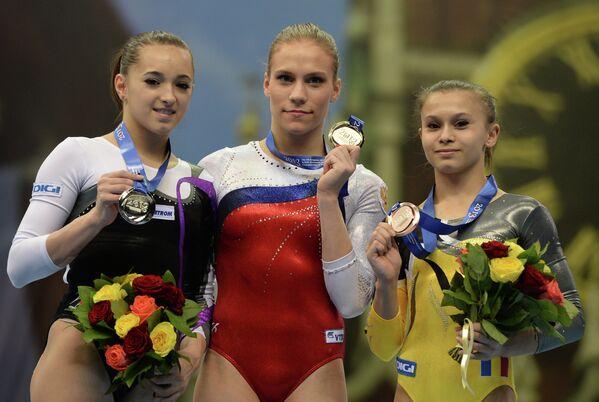 Призеры в вольных упражнениях на чемпионате Европы по спортивной гимнастике