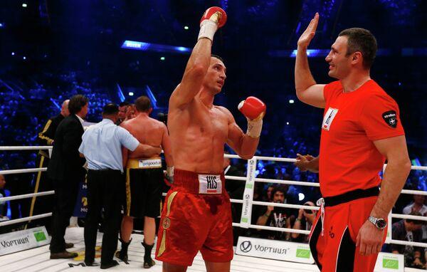 Владимир и Виталий Кличко (слева направо)