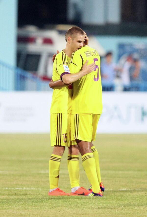 Игроки Анжи радуются победе в матче 1-ого тура с Кубанью