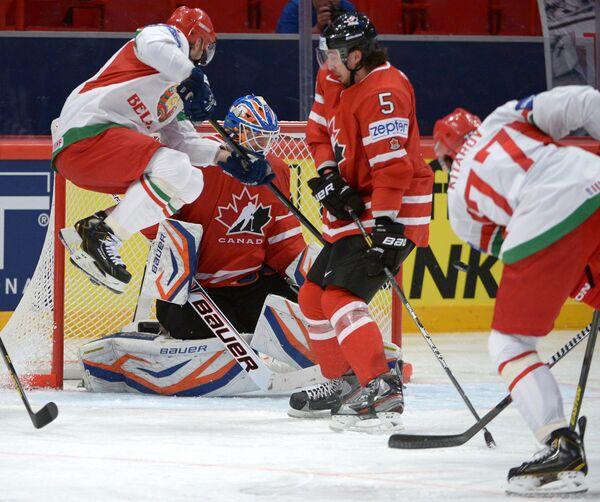 Игровой момент матча Белоруссия - Канада