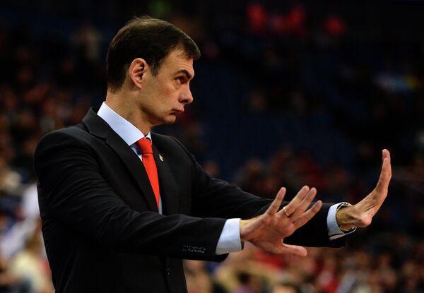 Главный тренер Олимпиакоса Георгиос Бартзокас