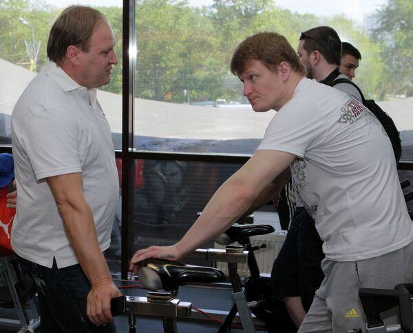 Российский промоутер Владимир Хрюнов и российский боксер Александр Поветкин