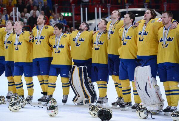 Хоккеисты сборной Швеции после финального матча Чемпионата мира