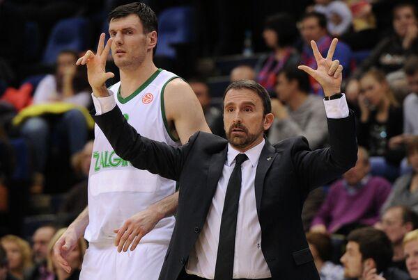 Игрок Жальгириса Кшиштоф Лавринович (слева) и главный тренер Жальгириса Хоан Пласа