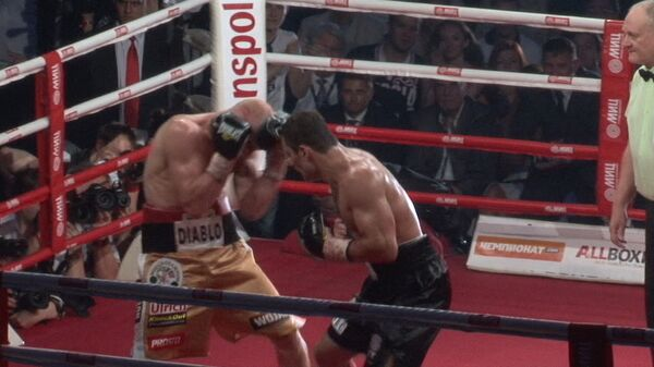 Четыре нокдауна и один нокаут: лучшие моменты боя Чехкиева с Влодарчиком