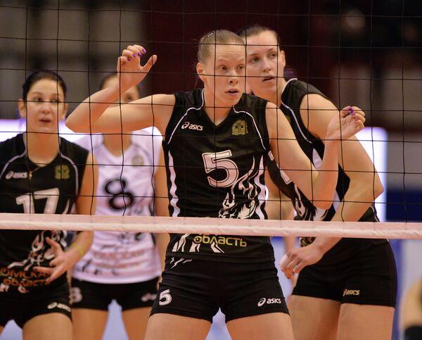 Волейболистки Омички