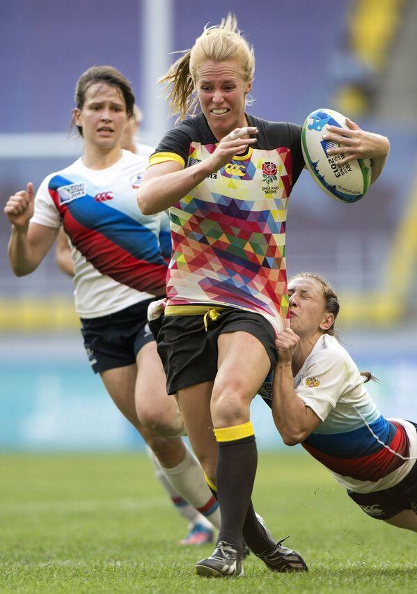 Игровой момент матча женских команд Россия - Англия