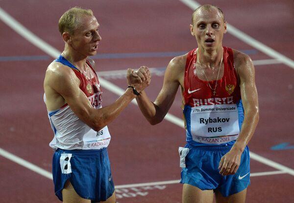 Российские спортсмены Анатолий Рыбаков и Евгений Рыбаков (слева направо)