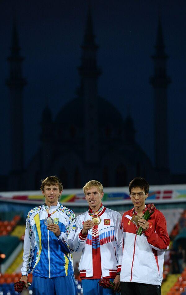 Андрей Проценко, Сергей Мудров и Ванг Ю (слева направо)
