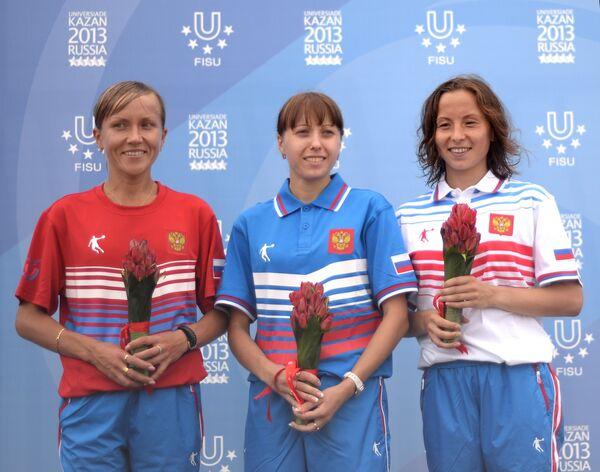 Ирина Юманова (2 место), Анися Кирдяпкина (1 место) и Лина Бикулова (3 место)