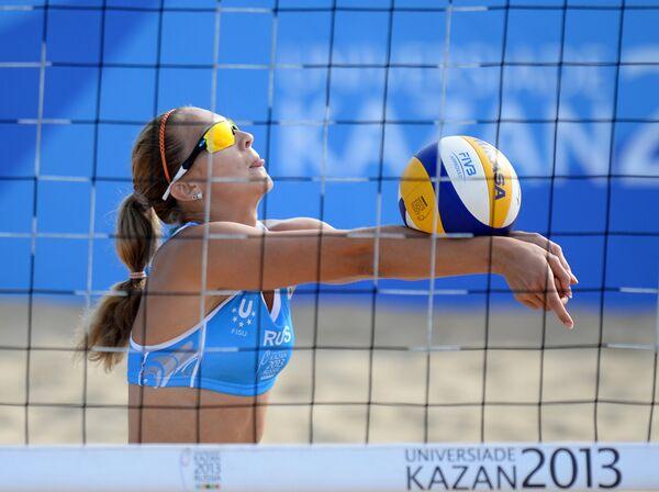 Игрок сборной России Светлана Попова в полуфинальном мачте женского турнира по пляжному волейболу между сборными командами России и США