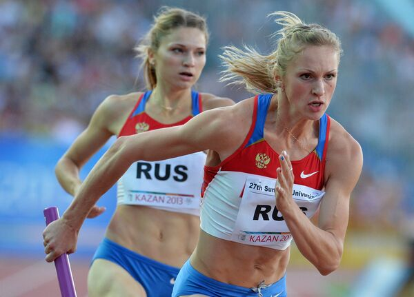 Российские спортсменки Алена Тамкова (слева) и Надежда Котлярова