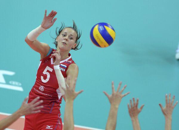 Волейболистка сборной России Александра Пасынкова в матче группового этапа женского турнира по волейболу