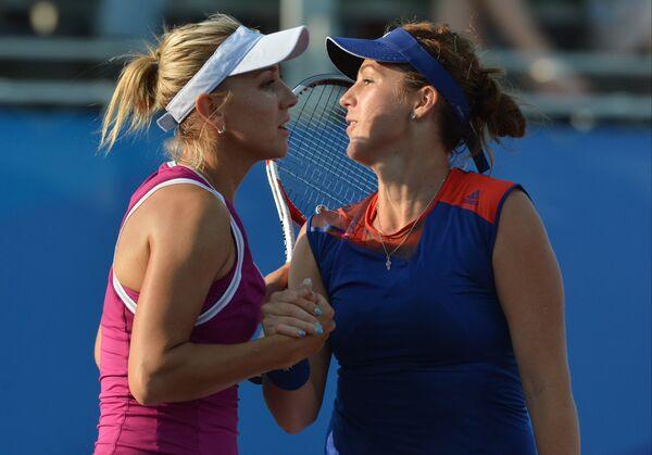 Елена Веснина и Анастасия Павлюченкова (слева направо)