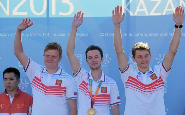 Российские спортсмены, завоевавшие бронзовые медали на соревнованиях из пневматической винтовки лежа