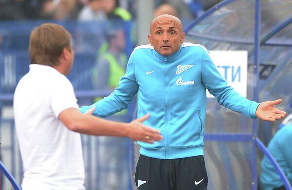 Главный тренер Зенита Лучано Спаллетти (справа)