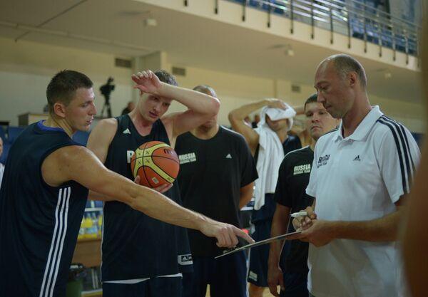 Виталий Фридзон, Андрей Воронцевич и Василий Карасев (слева направо)