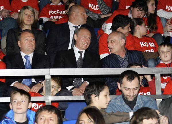 Владимир Путин (в центре) и Анатолий Рахлин (справа)