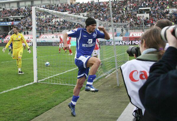 2008 год - полузащитник Мигель Данни в составе Динамо