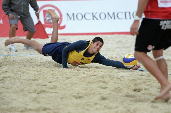 Пляжник сборной Бразилии Альваро Фильо