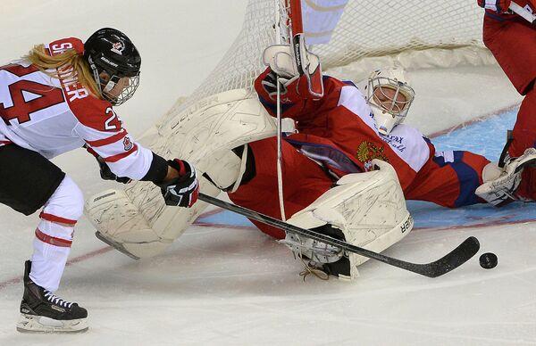 Игровой момент матча сборных России и Канады