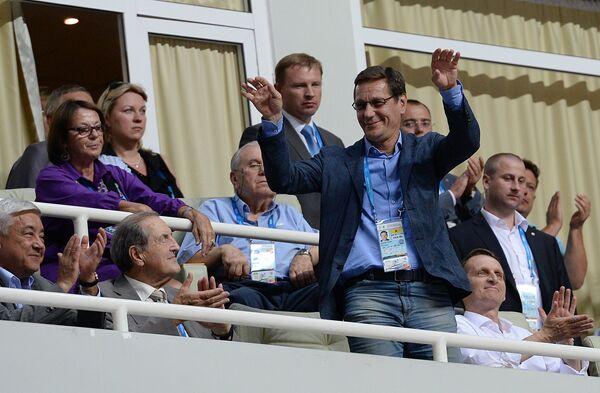 Президент Олимпийского комитета России (ОКР), заместитель председателя Госдумы РФ Александр Жуков (в центре)