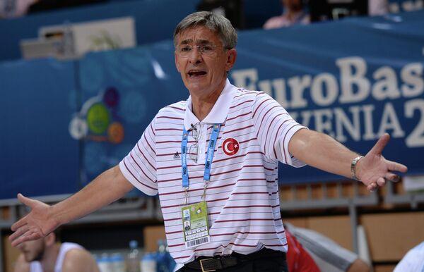 Главный тренер сборной Турции Богдан Таньевич