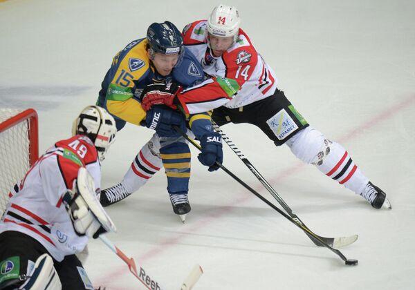 Игровой момент матча Атлант - Донбасс