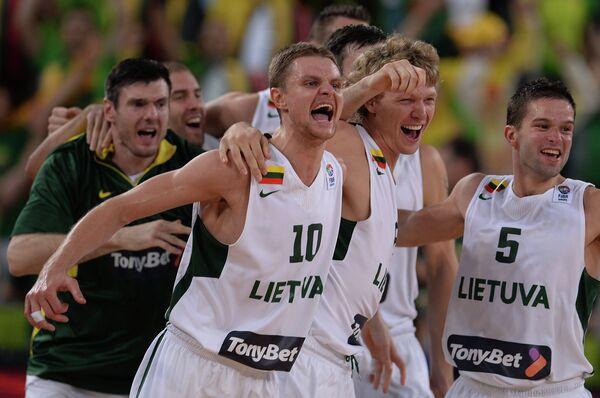 Литовцы Кшиштоф Лавринович, Реналдас Сейбутис, Миндаугас Кузминскас, Мантас Калниетис (слева направо)