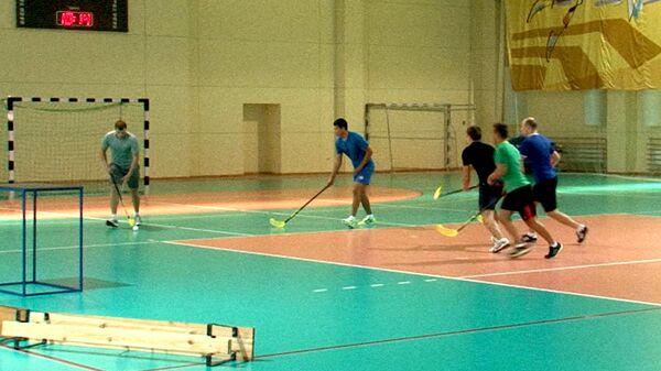 Слаломисты сыграли в хоккей с мячом на тренировке перед Олимпиадой в Сочи