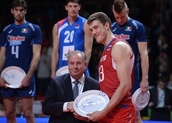 Центральный блокирующий сборной России, лучший игрок чемпиона Европы по волейболу Дмитрий Мусэрский
