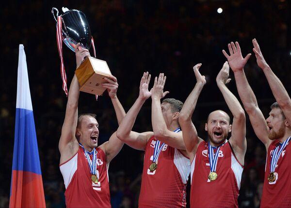 Волейболисты сборной России Сергей Макаров, Николай Апаликов, Николай Павлов и Евгений Сивожелез (слева направо)